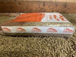 Nedz Bed Advance bag in stable of pellets